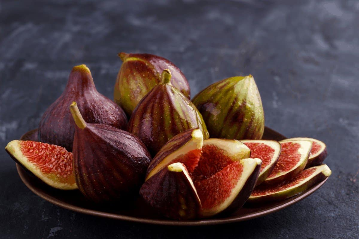 How to Tell if Figs Are Ripe