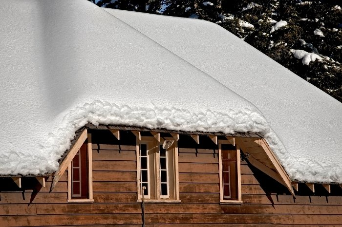 Know When Your Roofs Snow Removal Is Required